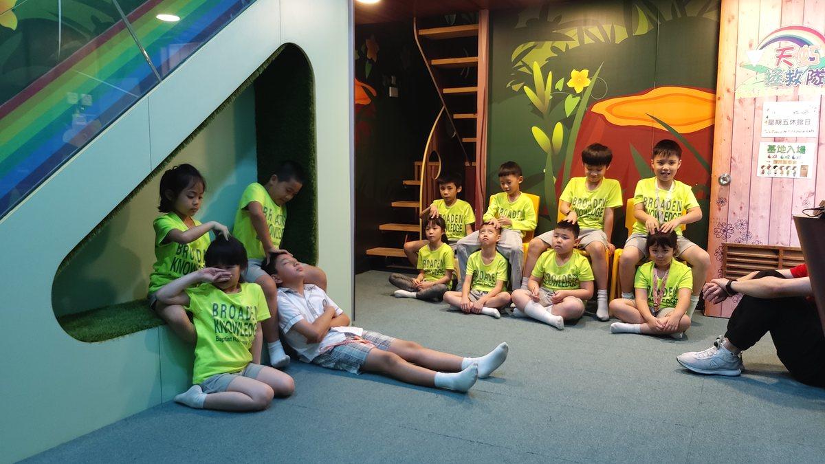 同學繼續提升按摩技術