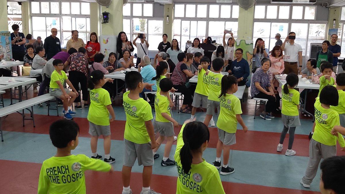 4月11日(四)同學表演HIPHOP