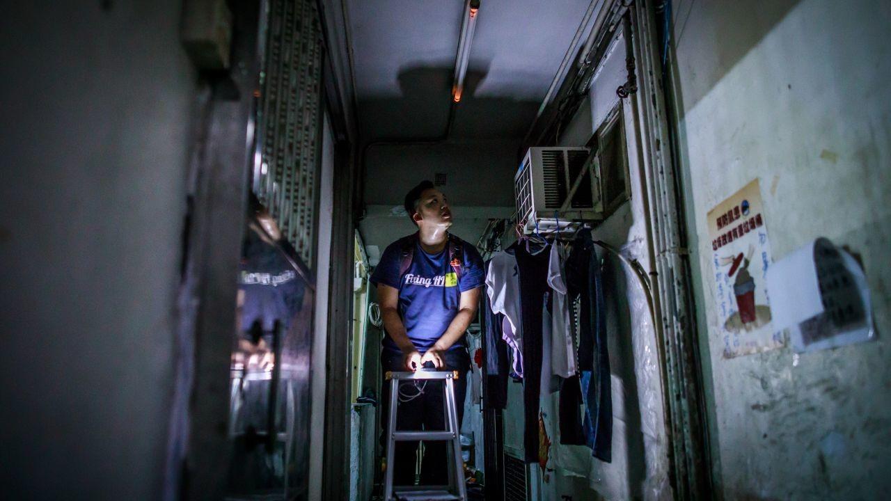 【維修香港】義工團密密洗樓三年 批政府沒支援:掛住起大白象